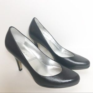 Tahari Black Lolly Heels Pumps Y-108